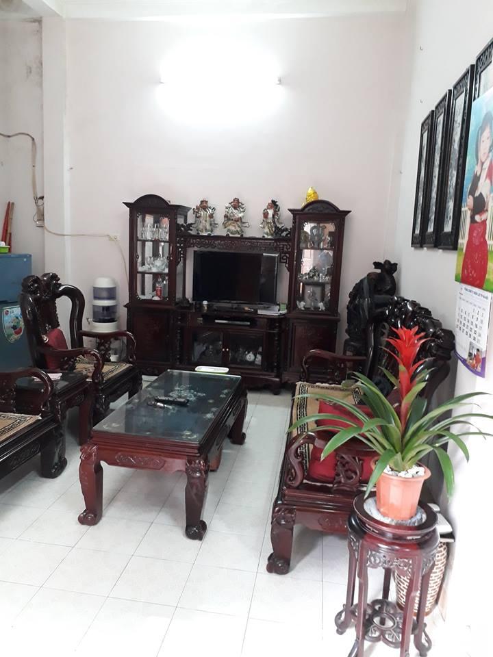 Nhà 2 tầng giá rẻ phố Hoàng Hoa Thám, dt 28m2, mặt tiền 3.2 m, giá 3,2 tỷ.