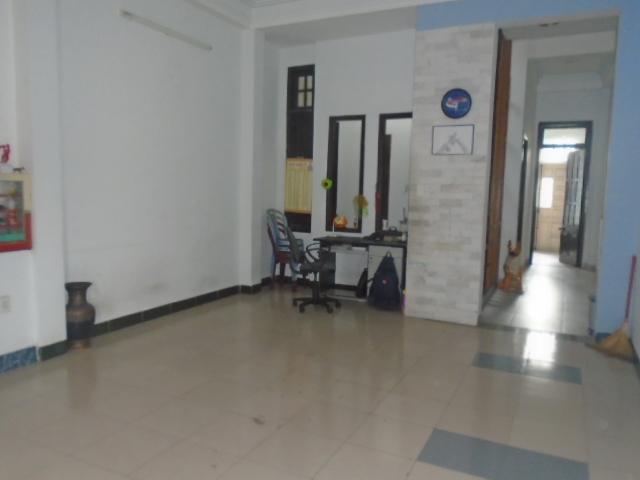 Nhà cho thuê nguyên căn đường Lê Văn Hiến