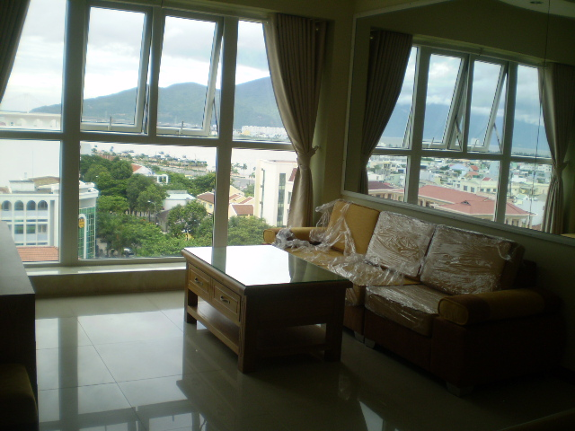 Căn 2 ngủ 78m2 sát Novotel, nội thất đủ mới đẹp, nhìn biển + sông
