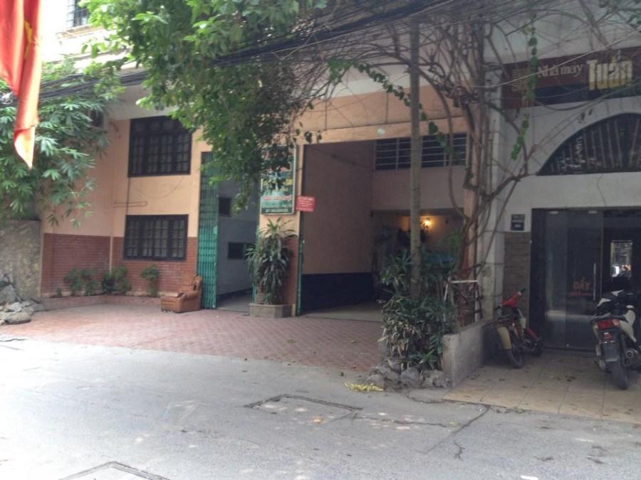 Cần bán nhà sổ đỏ chính chủ diện tích 450m2 quận Hoàn Kiếm