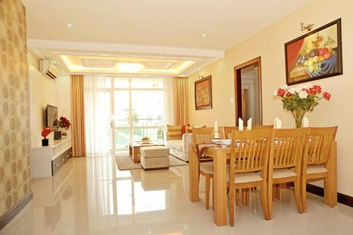 Nhà 3 tầng, 4 phòng ngủ gần bãi tắm Phạm Văn Đồng
