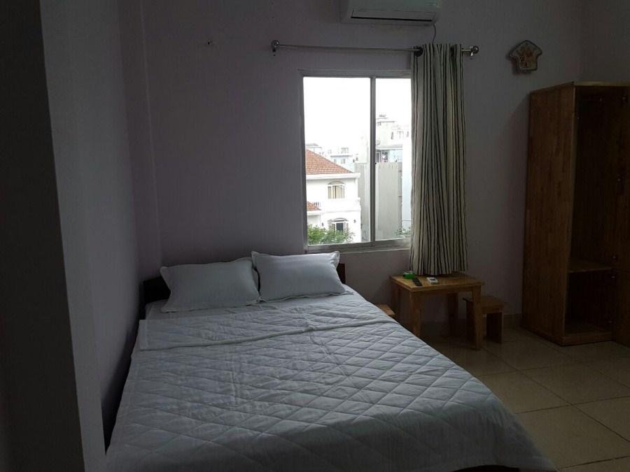 Phòng tiêu chuẩn khách sạn giá rẻ 3 triệu sát biển Mỹ Khê Đà Nẵng