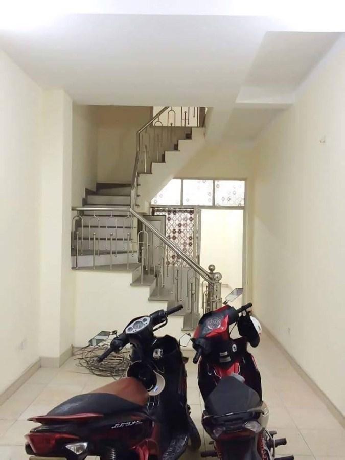 Bán nhà mặt phố Chính Kinh 45m2.05 ngủ 4 tầng giá 4 tỷ 35