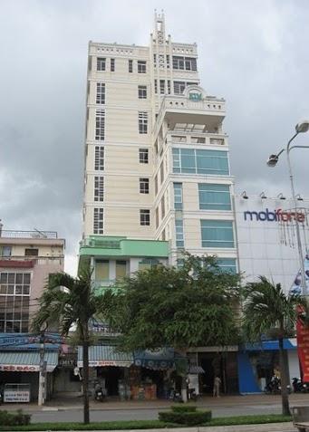 Bán cao ốc văn phòng 12 lầu đường Phan Xích Long phường 2, quận phú nhuận đang cho thuê 785 triệu/ tháng giá 240 tỷ