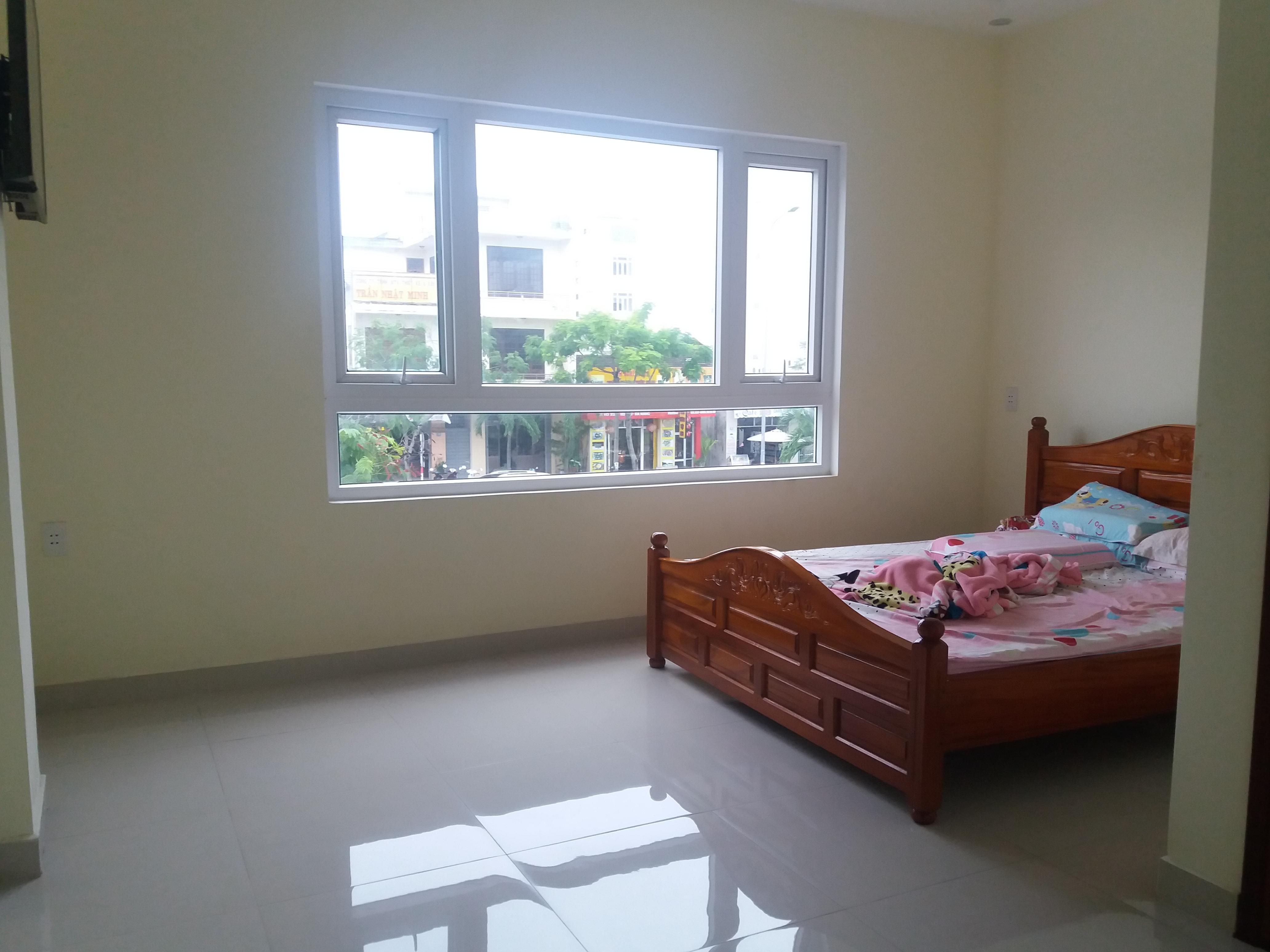 Cho thuê nhà MT đường Hồ Xuân Hương 12 phòng kinh doanh thuận tiện