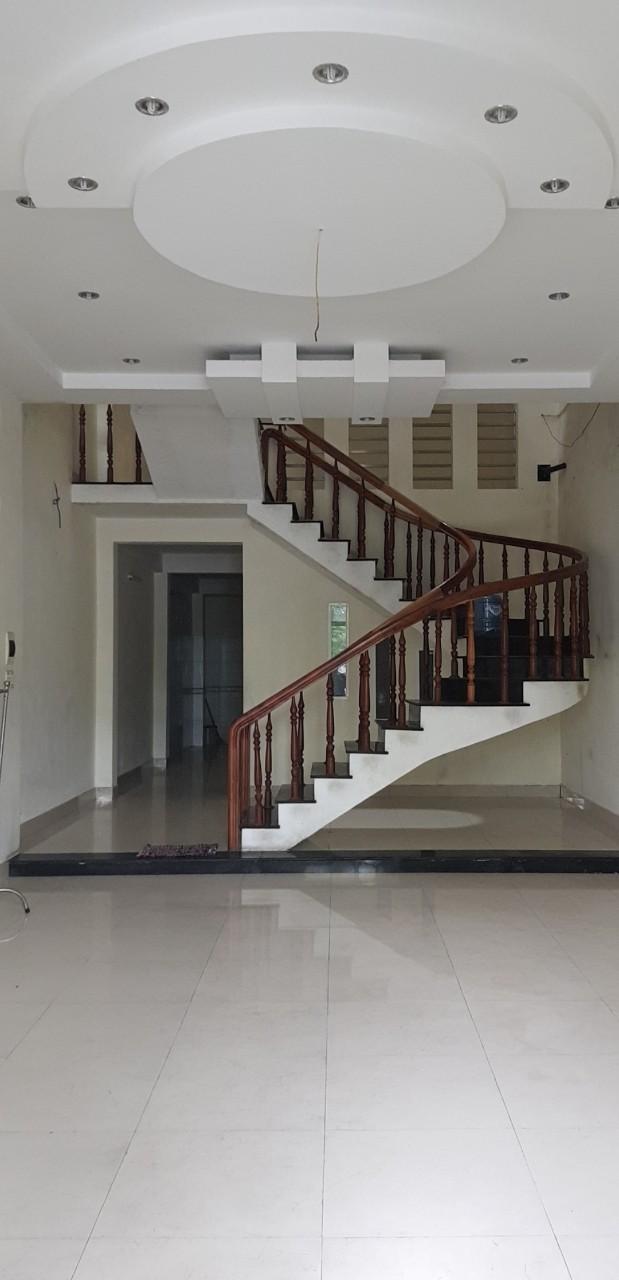 Cho thuê nhà trung tâm Đà Nẵng 2,5 tầng đường Ngô Tất Tố