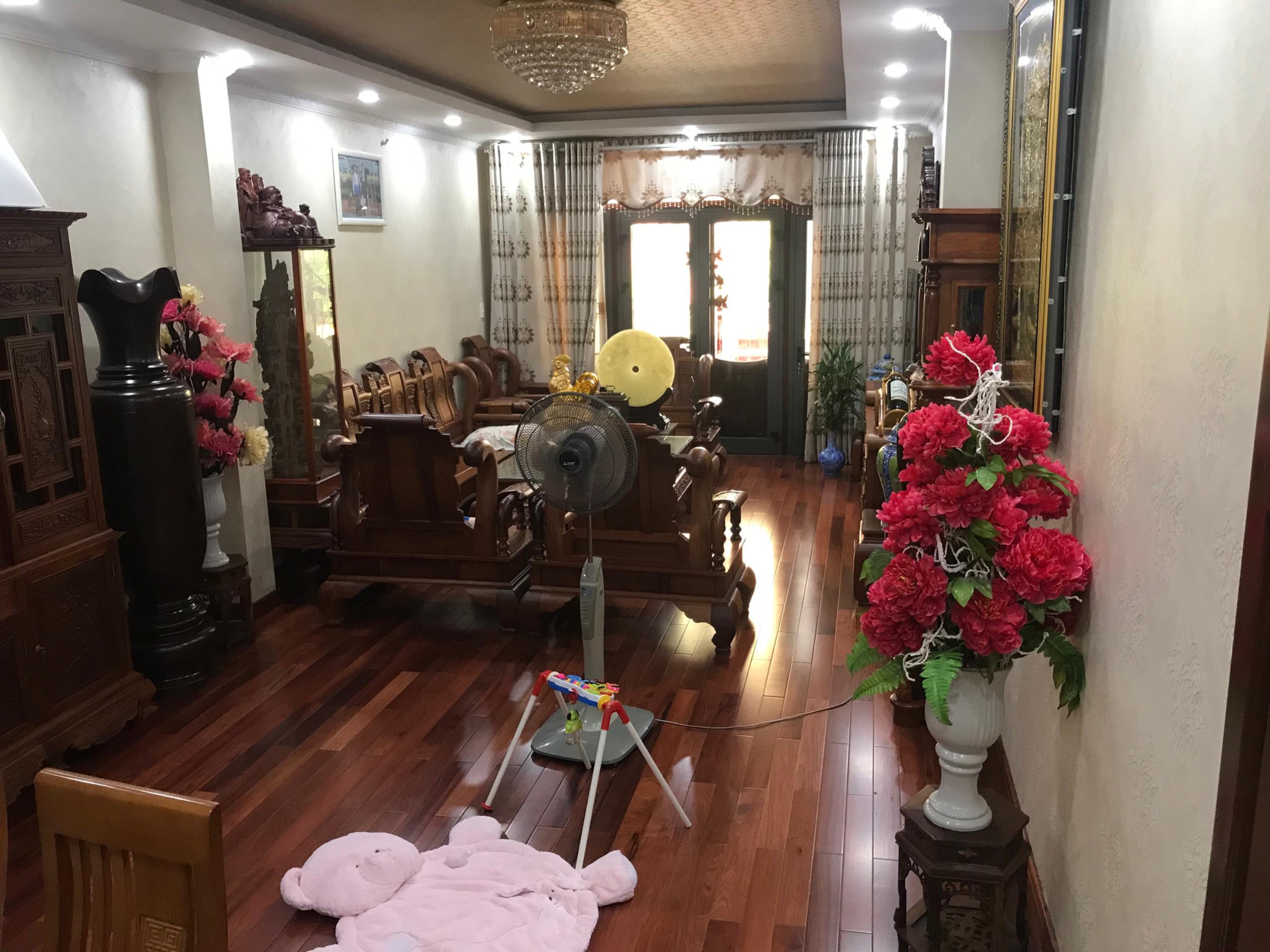 Cho thuê nhà trung tâm quận Hải Châu đường Lê Lợi